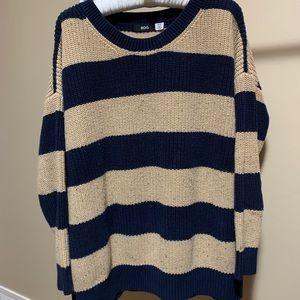 Sweaters - Cozy oversized striped sweater
